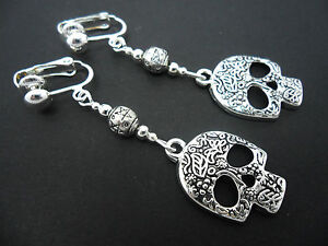 A-PAIR-TIBETAN-SILVER-DANGLY-ENGRAVED-SKULL-CLIP-ON-EARRINGS
