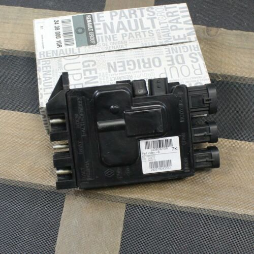 Distributeur Boîte Fusibles Renault Megane III Original Code 243800010R