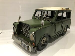 LARGE VINTAGE TRANSPORT LAND ROVER DEFENDER 4 X 4 MODEL METAL TIN ORNAMENT