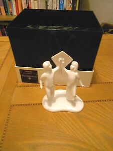 ROYAL-DOULTON-IMAGES-CAREFREE-HN4683-FIGURE-OF-THE-YEAR-2005