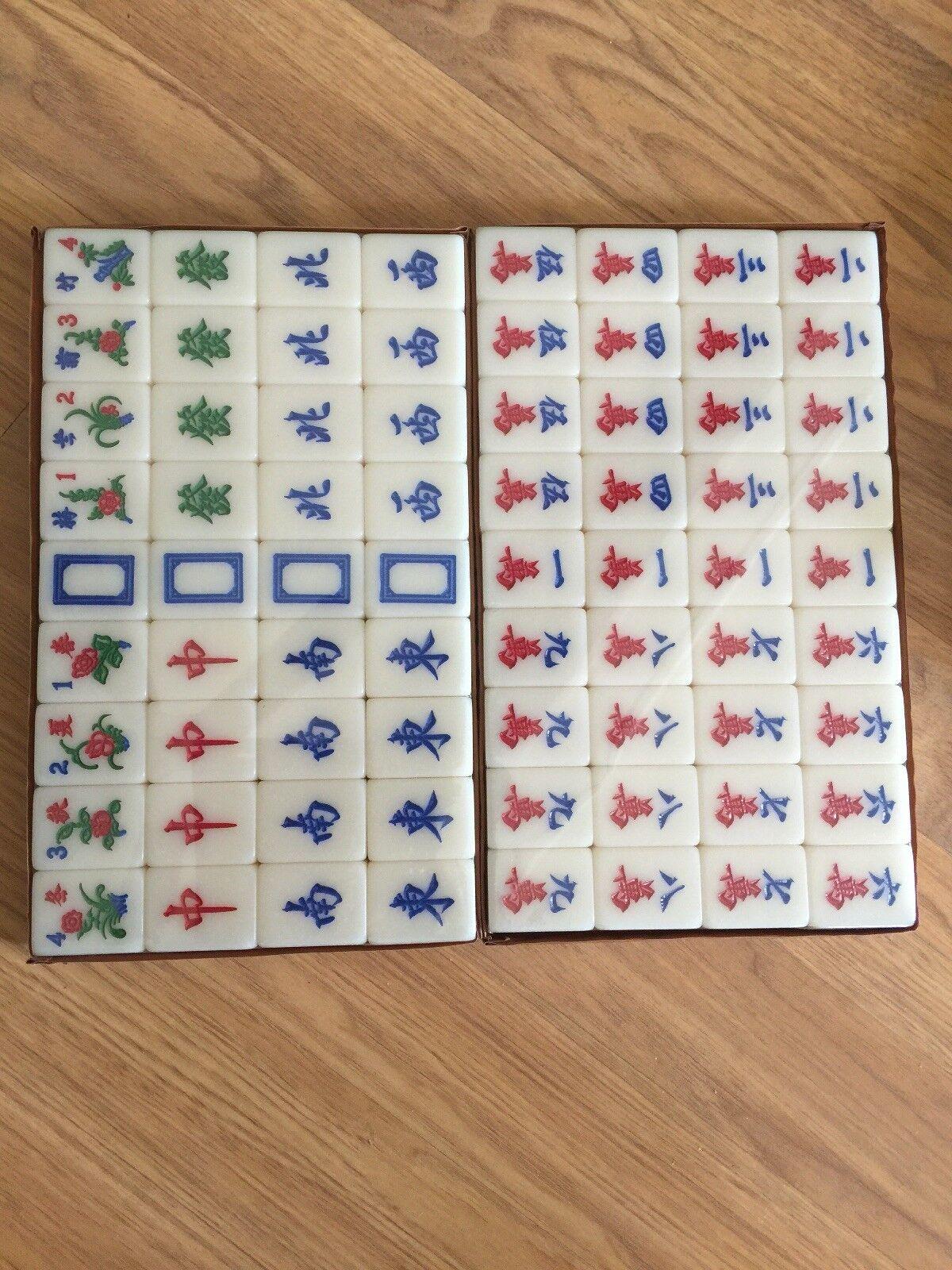Vintage Majong Set with 144 Tiles in  a Marroneee Case  risparmia fino al 50%