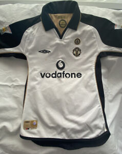 Man Utd 2002 Reversible Gold / White Shirt