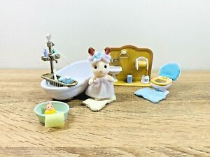Sylvanian-Families-Bathroom-Shower-Toilet-Set-Chocolate-Rabbit-Bath-Tub