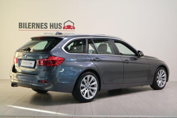 BMW 320d 2,0 Touring aut. billede 1