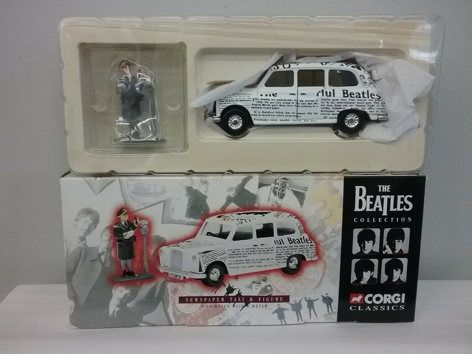 Corgi 58003 The Beatles samling Newspapper Taxi and Figur