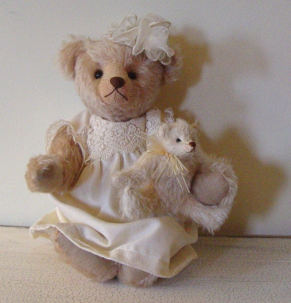 MICHELLE  CREAM COLOrosso, JOINTED LIM ED BEAR BY JOAN WOESSNER, BEAR ELEGANCE