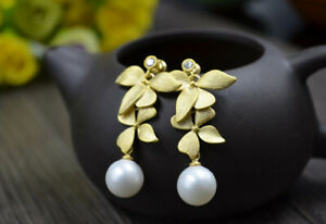 B12-Earring-Gold-Plated-Flowers-With-White-Freshwater-Pearls