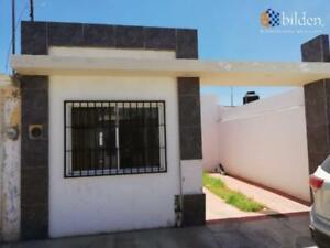 Casa en Venta en Fracc. Puerta de San Ignacio
