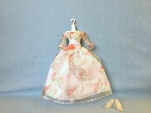 Hasbro Doll Beauty And The Beast Live Action Belle Wedding Floral