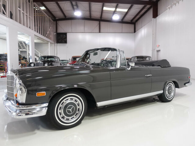 1968 Mercedes-Benz 200-Series 280SE Cabriolet | Highly optioned | Factory air