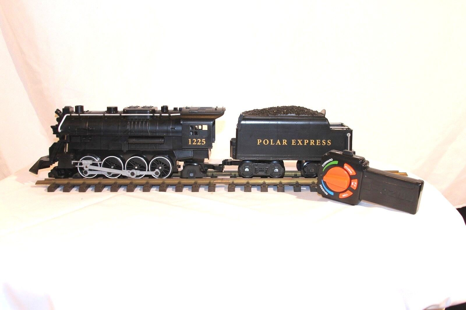 Lionel Polar Express Locomotive & Tender & Remote Ready to Play 7-11824