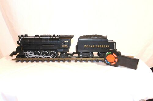 Lionel Polar Express Locomotive /& Tender /& Remote Ready to Play 7-11824