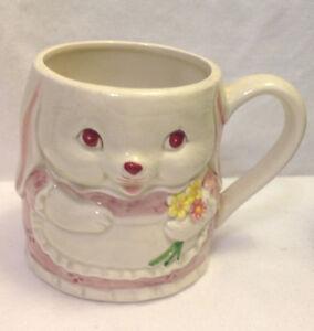 OTAGIRI-WHITE-BUNNY-RABBIT-HOLDING-FLOWERS-CERAMIC-COFFEE-MUG-CUP-VINTAGE