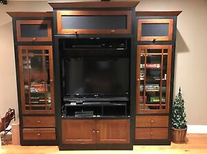 Ethan Allen American Impressions Ebony and Cherry Entertainment Wall ...