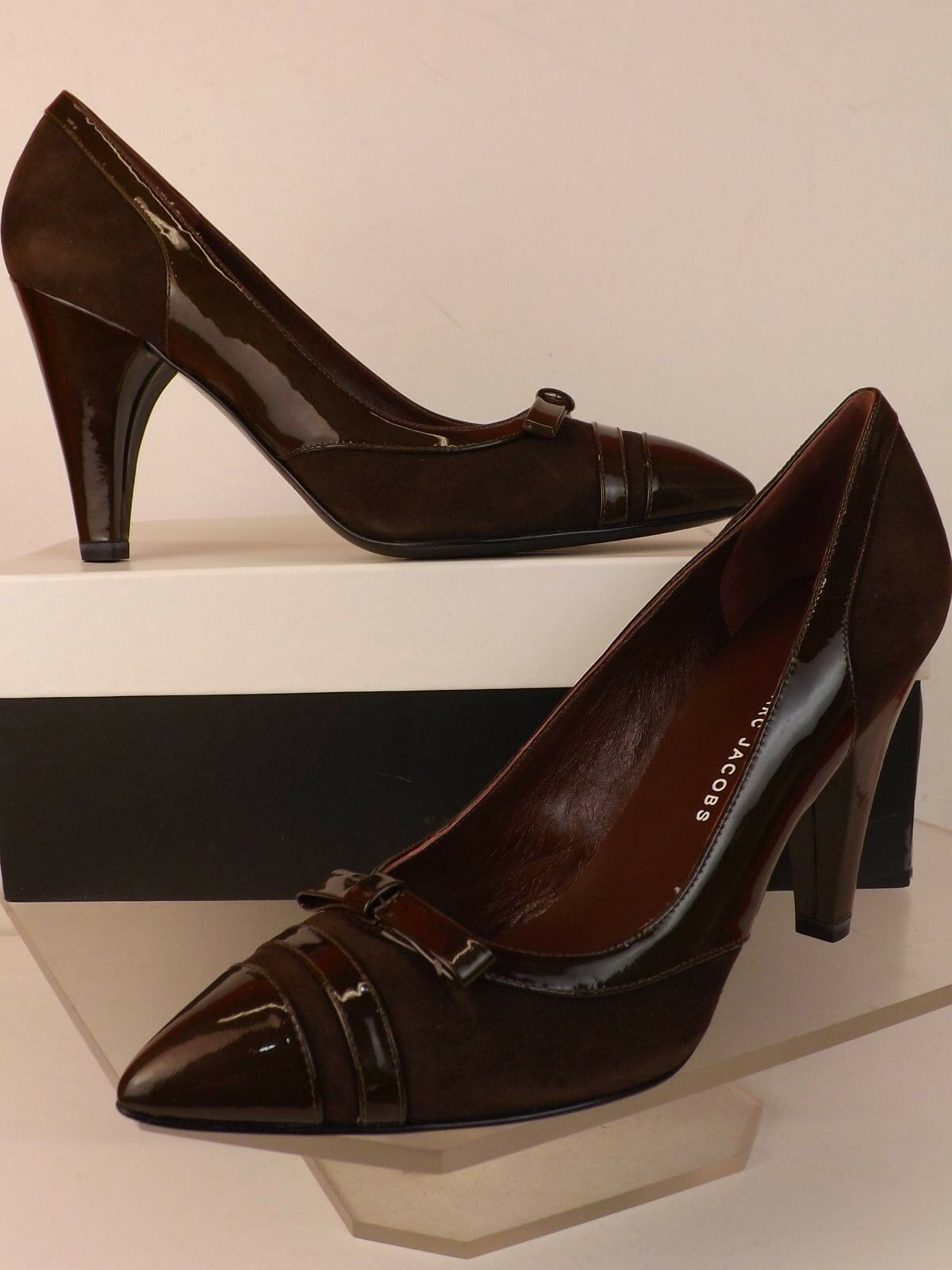 NIB MARC MARC MARC BY MARC JACOBS BROWN SUEDE PATENT LEATHER BOW POINTY TOE PUMPS 39.5 9c5de7