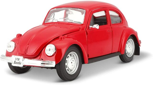 Maisto 1:24 Scale Volkswagen Beetle Diecast Vehicle (Colors May Vary)