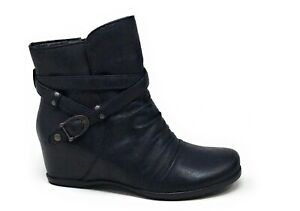 BareTraps-Womens-Qui-Ankle-Bootie-Hidden-Wedge-Black-Size-6-M-US