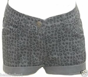 NEW WITH TAGS  CHILDS 6-7 BOOTY SHORTS BY FUNKY DIVA SUPER COOL LOOKING
