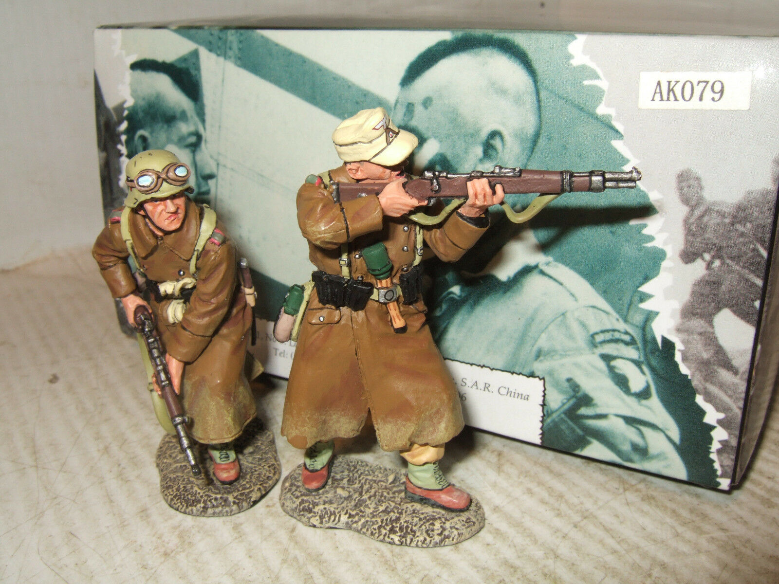 King and Country AK079 X2 Soldiers , Afrika Korp Rifle Section Metal Figures