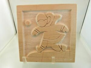 PLAYTIME-on-beige-Marble-Sculpture-by-DAVID-BERNETT-QUEBEC-Signed