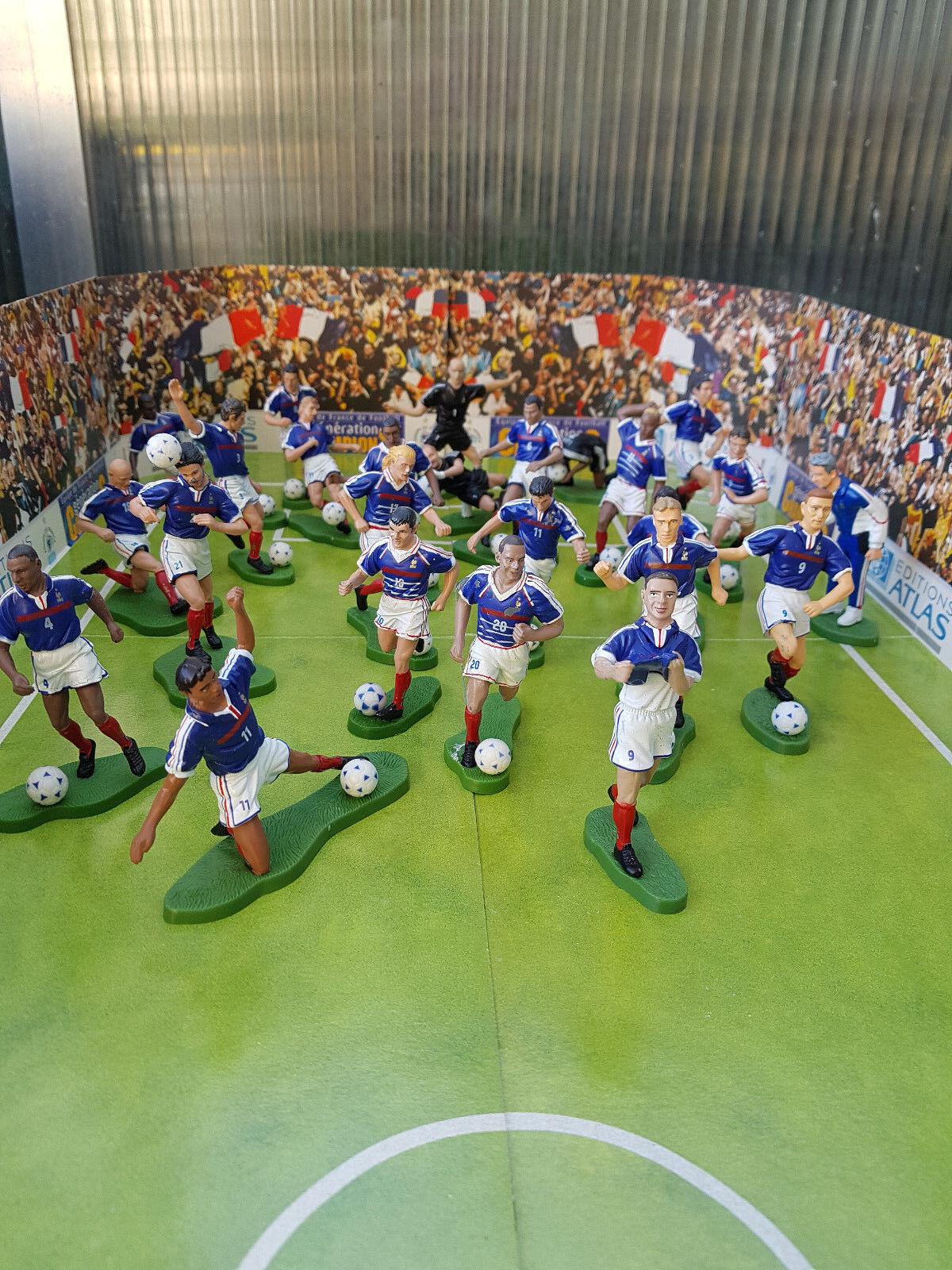 Lot de 25 figurines en plomb Estrellalux - Joueurs de foot France 1998 et revues.