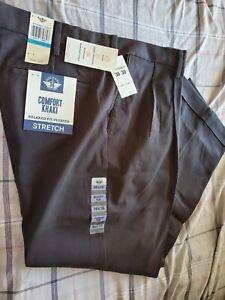 NWT-Dockers-Men-039-s-Relaxed-Fit-Comfort-Khaki-Pleated-Pants-D4-Black-36WX30L