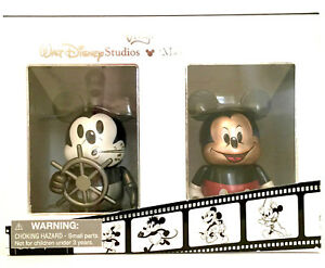 DISNEY-VINYLMATION-3-034-THROUGH-THE-YEARS-STEAMBOAT-WILLIE-MODERN-MICKEY-MOUSE-SET