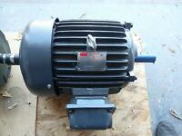 Dayton 2mxv1 Premium Efficient Inverter Rated Motor 7.5 Hp 3ph 1755 Rpm