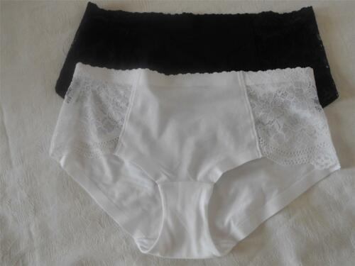 black or white in sizes 8-18 faMouS store cotton and lace low rise shorts
