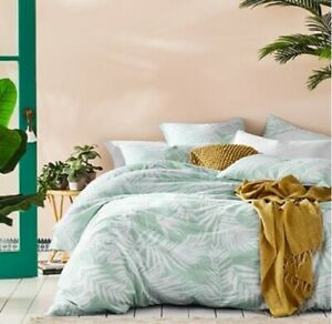 Home-Republic-Rio-Mint-Palm-Queen-Quilt-Cover-Dooner-Cover