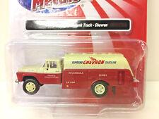 30420 Classic Metal Works HO//HOn3 1960 Ford Tank Truck Chevron Gas