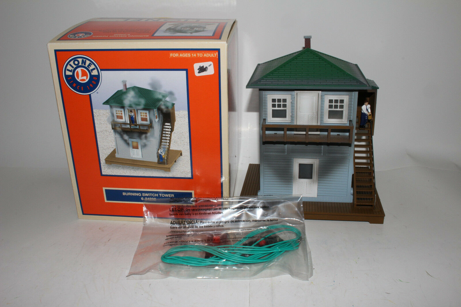LIONEL  6-24232 BURNING SWITCH TOWER, EXCELLENT, BOXED