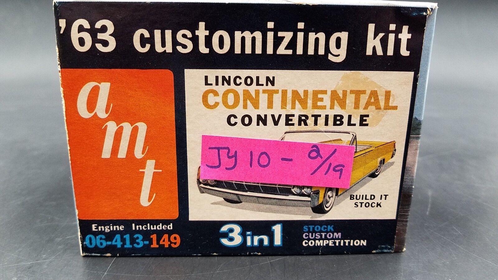 AMT 06-513 1963 LINCOLN CONTINENTAL CONgreenIBLE ANNUAL 1 25 MODEL CAR MOUNTAIN