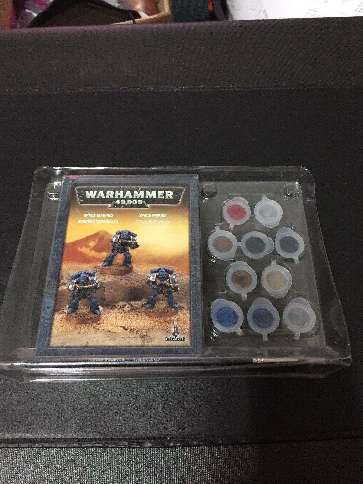 2008 Warhammer 40,000 Space Marine Paint Set