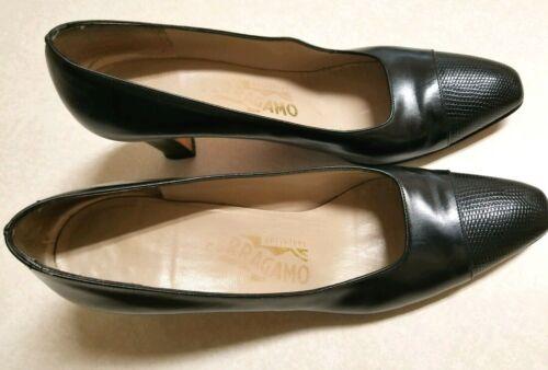 Salvatore Ferragamo black heels. sz. 7.5 AAA