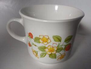 Strawberry-Sundae-Corning-Corelle-Coffee-mug-made-in-USA-vintage