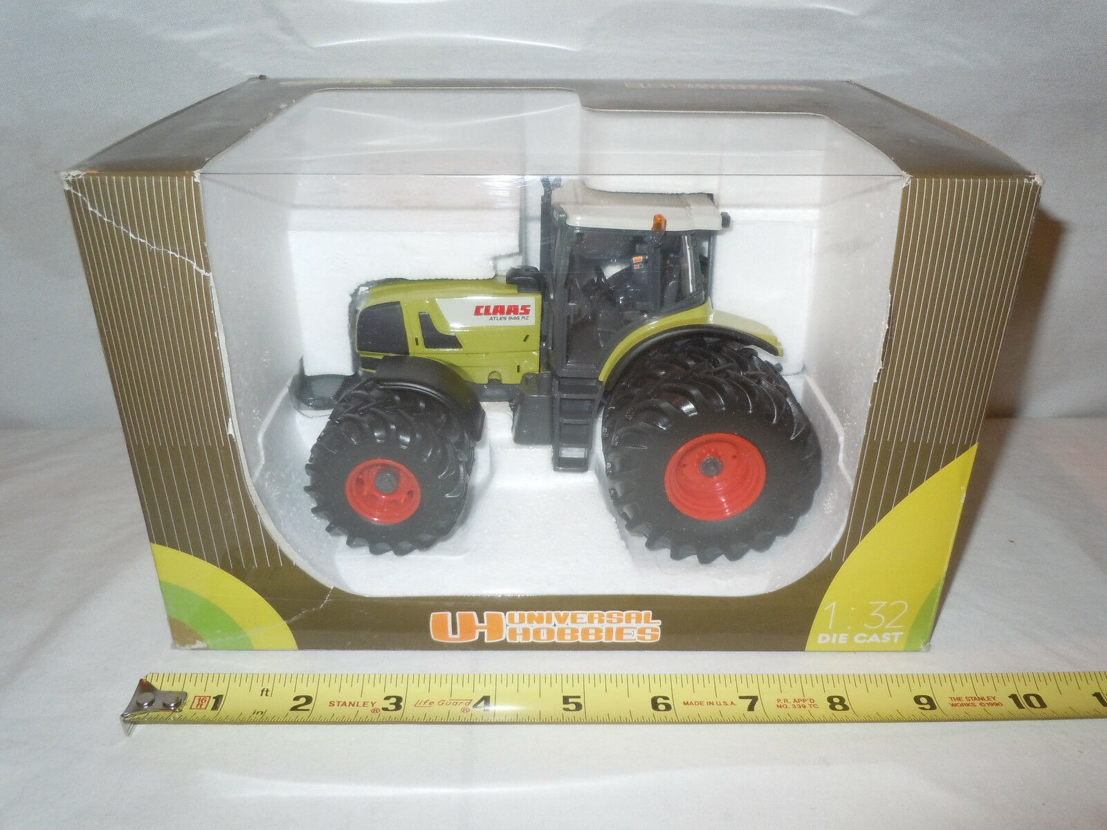 Claas Atles 946RZ With Front & Rear Duals By Universal Hobbies 1 32nd Scale