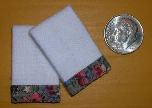 2 Miniature Dollhouse White Bath TOWELS #7014 GREEN PINK FLORAL Trim 1:12 Scale
