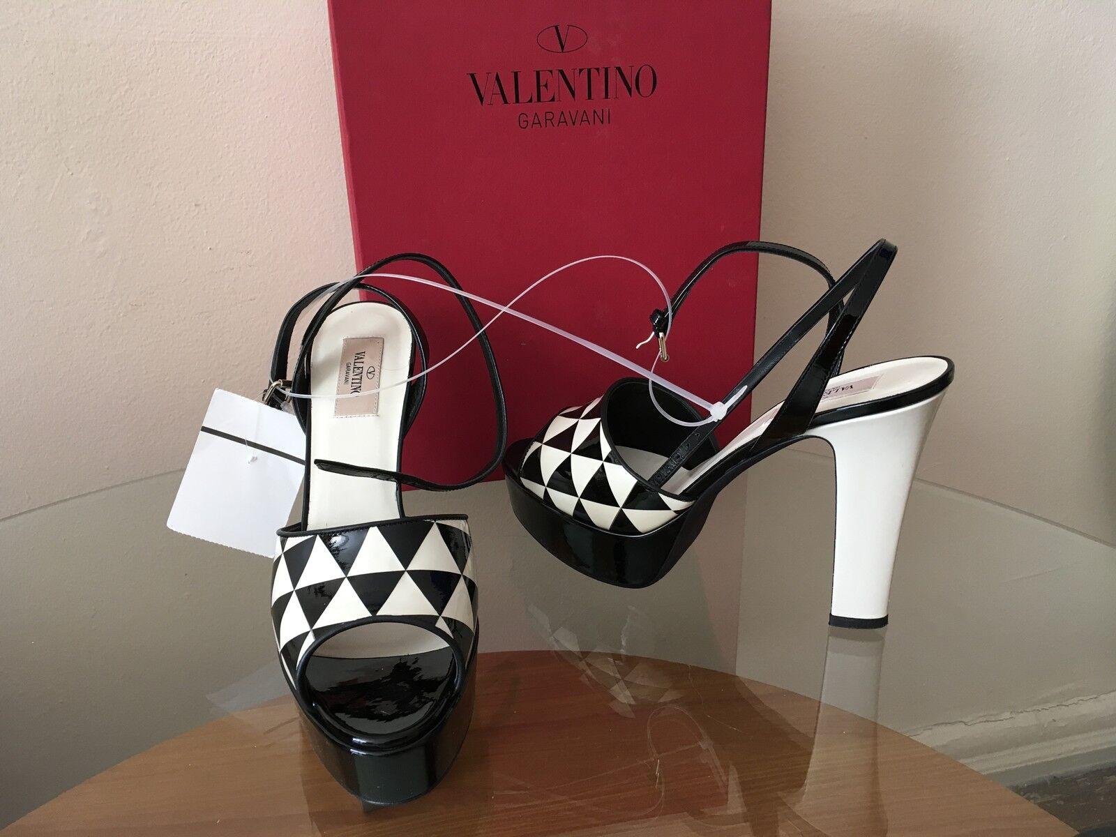 Luxury NEW Valentino Garavani Shiny Fever Patent Leather Sandals   1,095  9