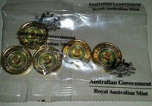 NEW-2017-Australian-Two-Dollars-2-Anzac-Lest-We-Forget-Bag-of-5-Unc-MINT-R6