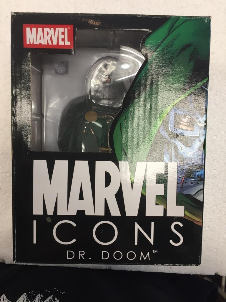 2006 Marvel Icons Dr. Doom Bust by Diamond Select Toys (625 of 5000)