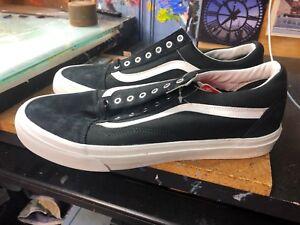 f4b6e55161 Vans Old Skool (Snake) Black Blanc de Blanc Size US 11.5 Men s ...