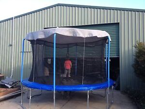Shade-Curtain-for-your-trampoline-made-to-your-size