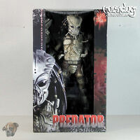 Predator Neca 18in 1/4 Scale Classic Gort Guardian Mask Exclusive Action Figure
