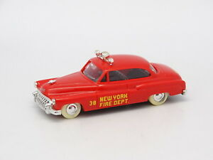 Praline-1-87-HO-Buick-1950-NUEVA-YORK-Fire-Dept-Bomberos