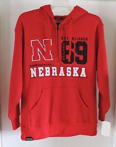 Outerstuff Men/'s NCAA Nebraska Cornhuskers Fan Basic 1//4 Zip Hooded Sweater
