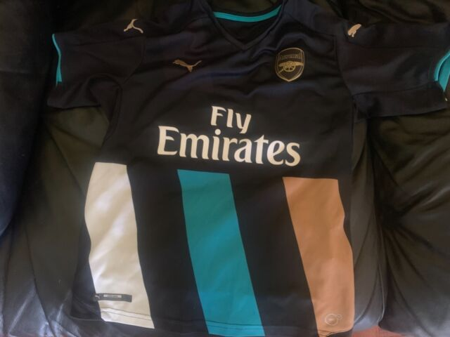 detailed look 9fd7b 58797 Arsenal youth large fly emirates puma soccer jersey