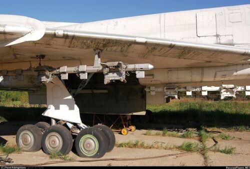 EQG72086 Equipage 1//72 Rubber Wheels for Tupolev Tu-22M2 Backfire Strike Bomber