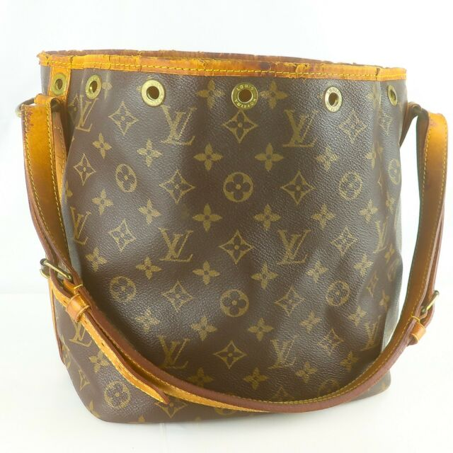 LOUIS VUITTON PETIT NOE Drawstring Shoulder Bag Purse Monogram M42226 Brown