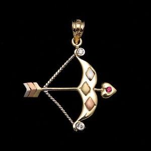 0-08CT-Brilliant-Created-Diamond-amp-Ruby-Bow-amp-Arrow-Love-Pendant-14k-Yellow-Gold